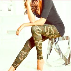 Pants - NEW Camouflage leggings